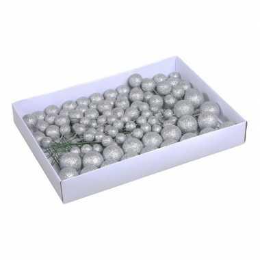 Plastic 100x zilveren glitter mini kerstballen stekers kunststof 2/3/4 cm