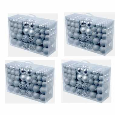 Plastic 4x pakket met 100x zilveren kunststof kerstballen 3, 4 en 6 c