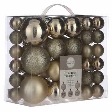Plastic kerstballenpakket 46x licht champagne kunststof kerstballen mix