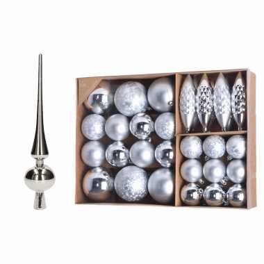 Plastic kerstboomversiering pakket zilveren kunststof kerstballen. kerstornamenten en piek