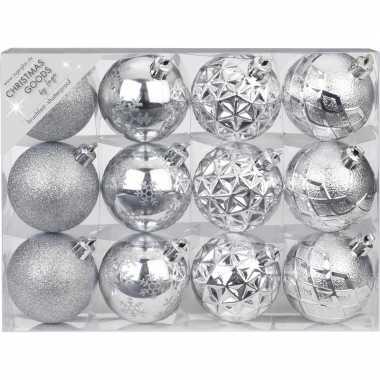 Plastic set van 12 luxe zilveren kerstballen 6 cm kunststof mat/glans
