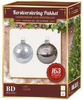 Plastic kerstballen en piek set kunststof 163 dlg 210 cm boom zilver wit