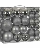 Plastic kerstballenpakket 46x zilveren kunststof kerstballen mix