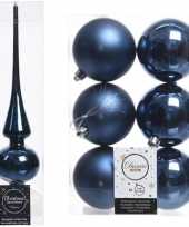 Plastic kerstboom decoratie blauw piek en 6x kerstballen 8 cm